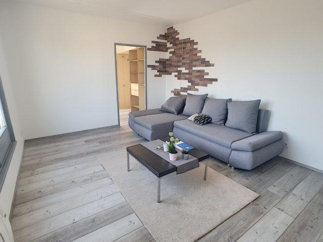 BISCHHEIM, Appartement 2 pièces entièrement rénové avec terr