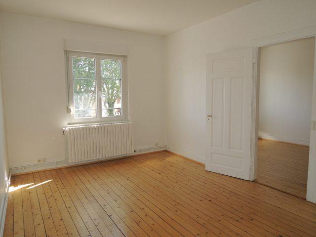 NEUDORF Appartement  3 Pièces de 70.70m² à rénover