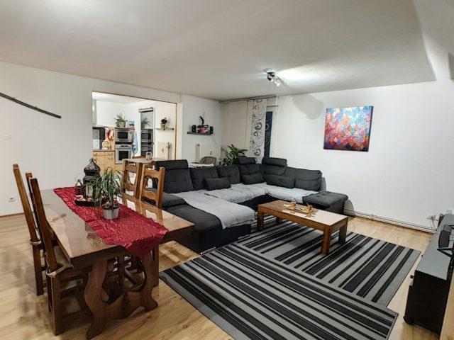 STRASBOURG POTERIES, Appartement 3/4 pièces au 3ème étage ave