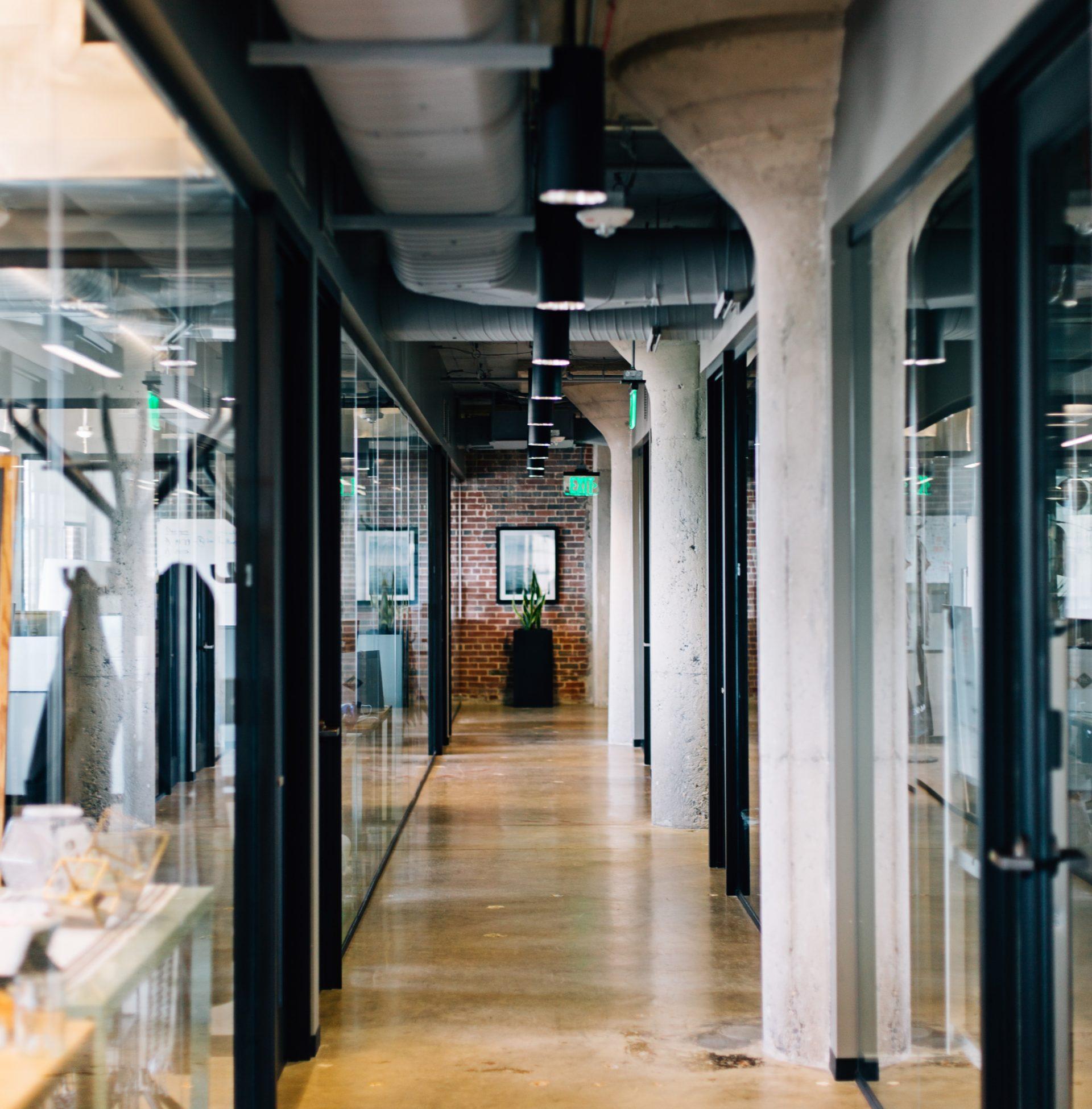 Location et vente d'espaces professionnels par Immoval