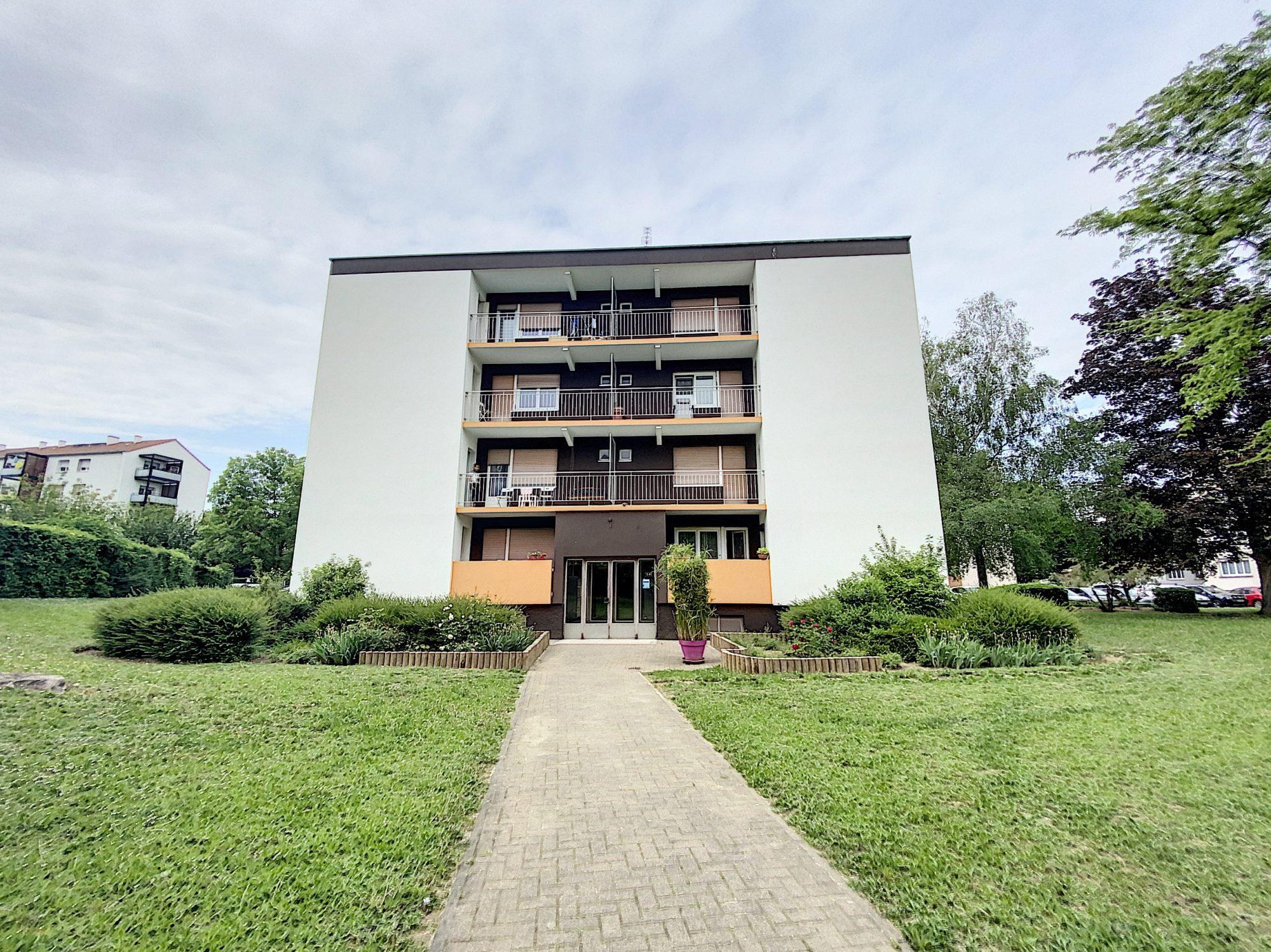 Koenigshoffen , Appartement 2 pièces de 65 m² avec Garage et b