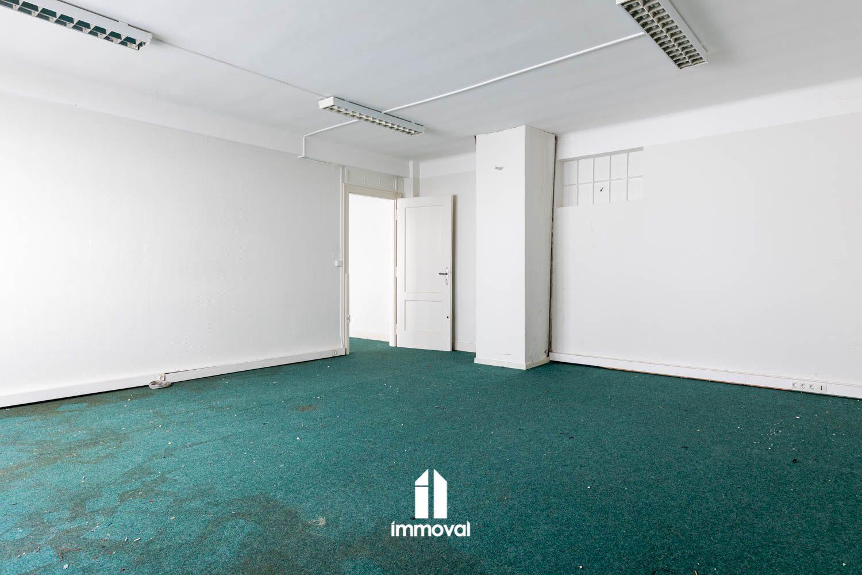 FORET NOIRE Appartement 2 Pièces de 65.5m² avec travaux