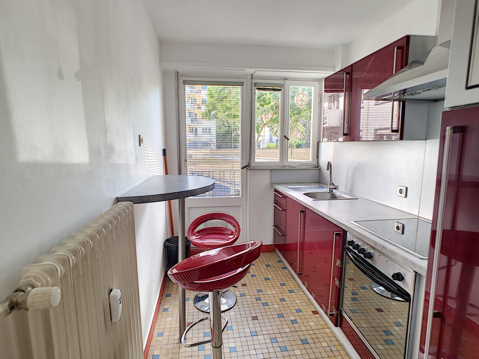 NEUDORF, Appartement 2 pièces avec balcon et cave