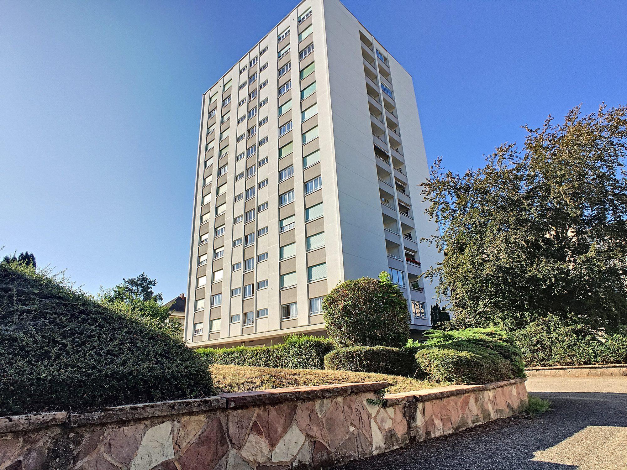 Meinau appartement 2 pièces de 71.77m² avec balcon et parking