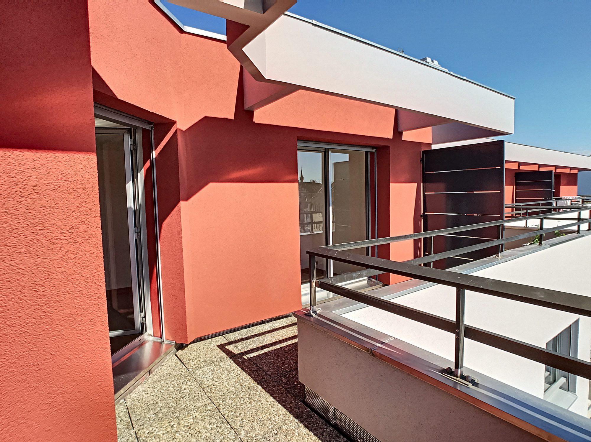 NEUDORF  2 pces de 53.30m2 avec 2 terrasses