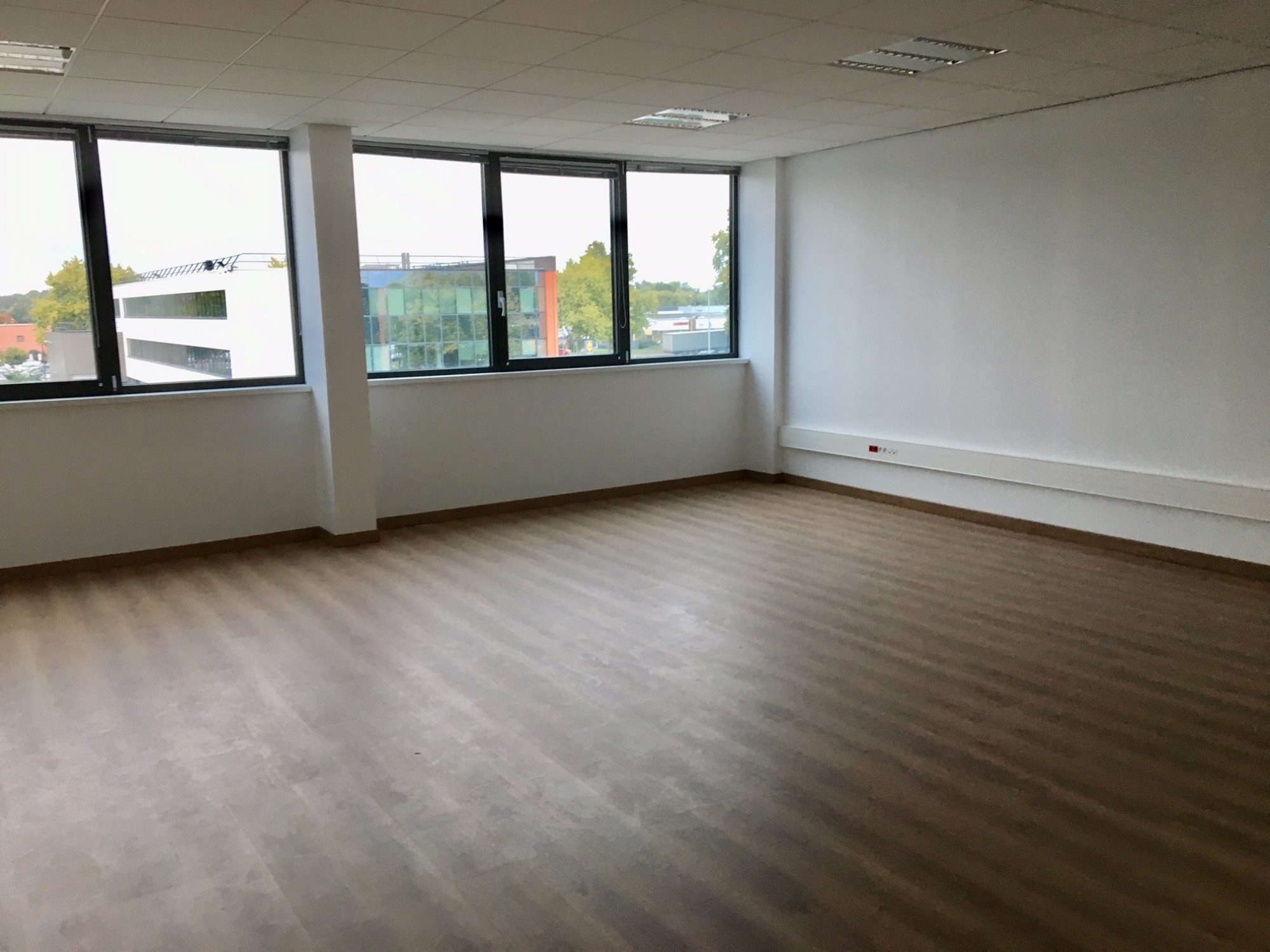 Bureaux 50 m² renovés dans le ZA de Bischheim/Hoenheim