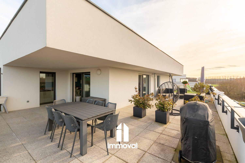 LAMPERTHEIM, 3 P de 75m² en attique avec terrasse de 115m²