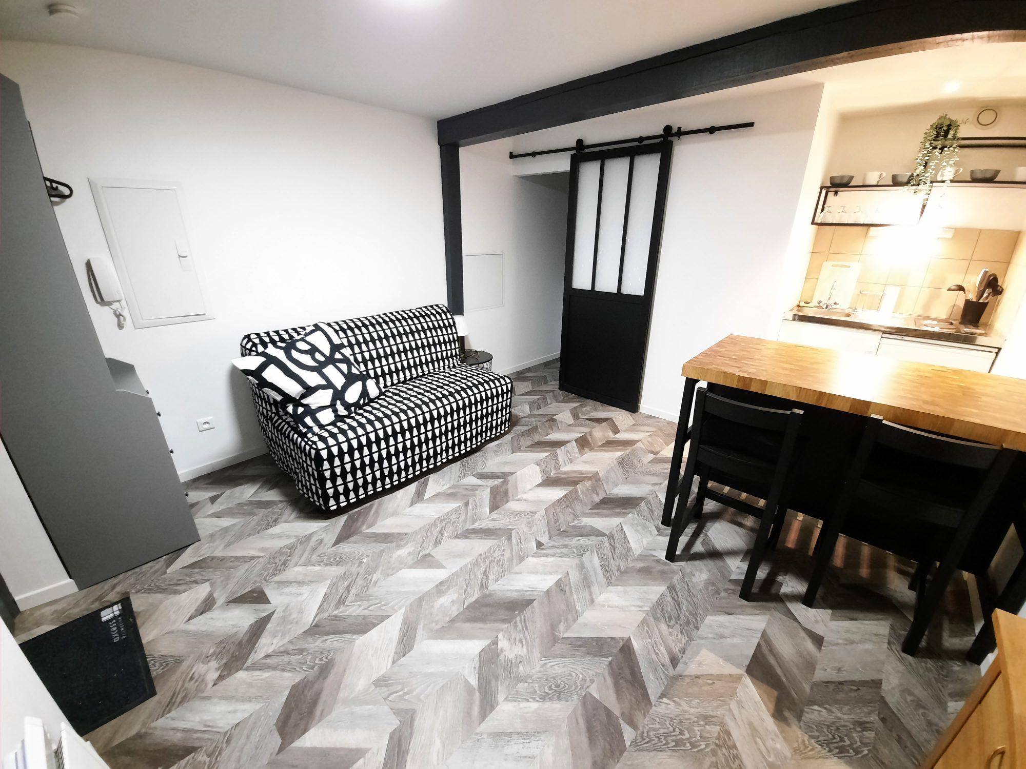 HYPER-CENTRE - Studio meublé de 17.54m²