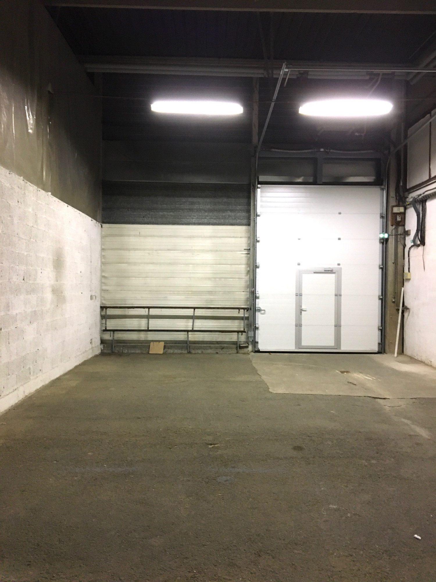 Entrepôt de 770 m²  disponible à la location à Bischheim/Hoe