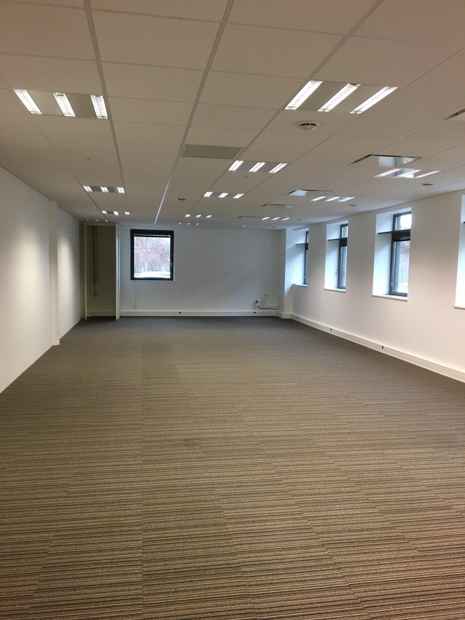 Bureaux 130m² disponibles à la location au Parc des Forges