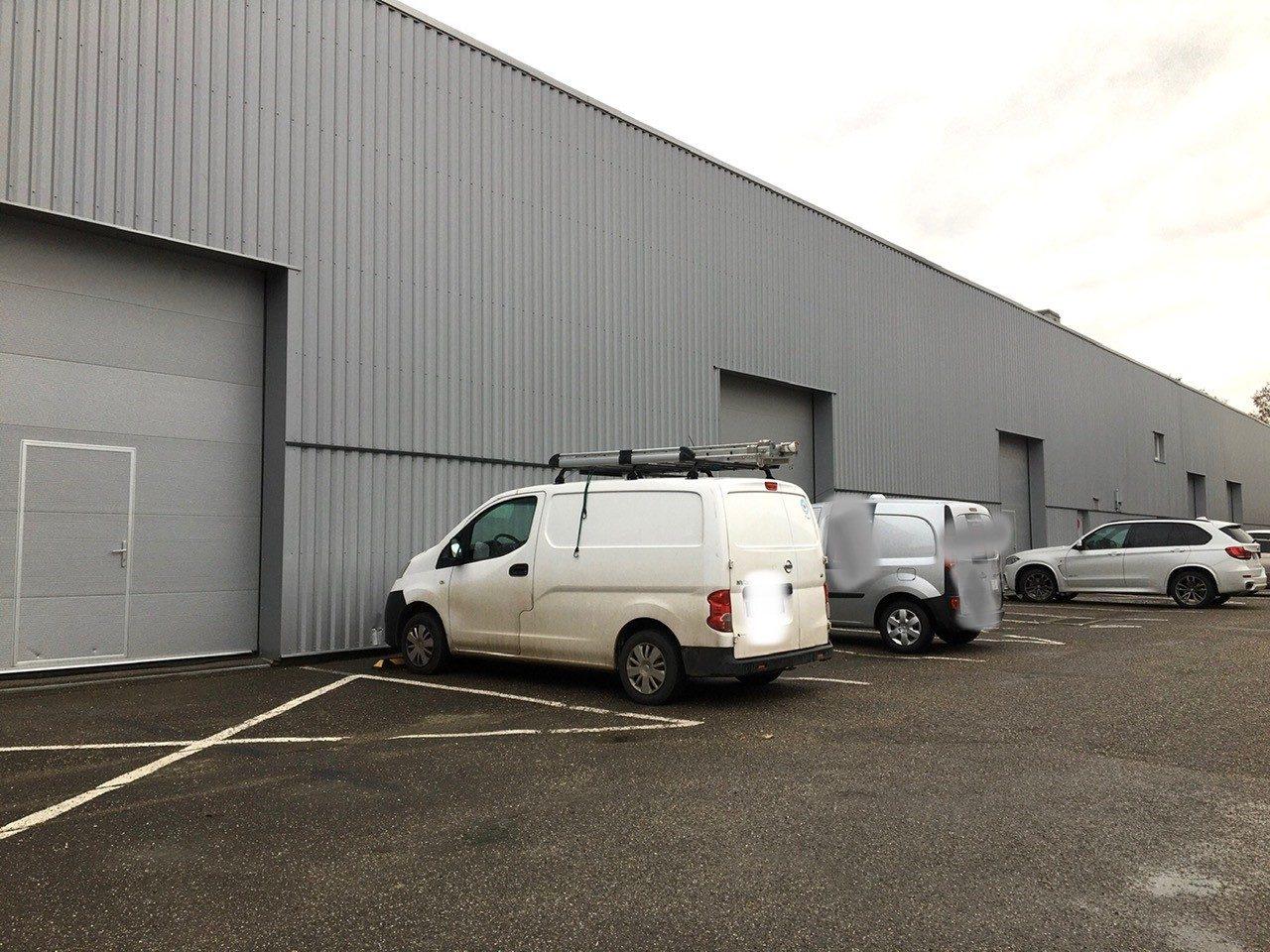 Entrepôt de 108 m²  disponible à la location à Bischheim/Hoe