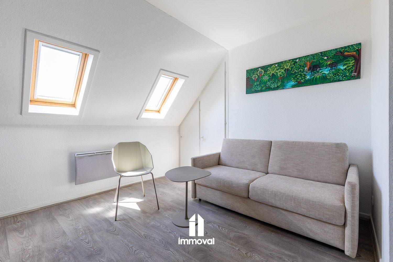 CENTRE-VILLE - joli 1 pce meublé lumineux