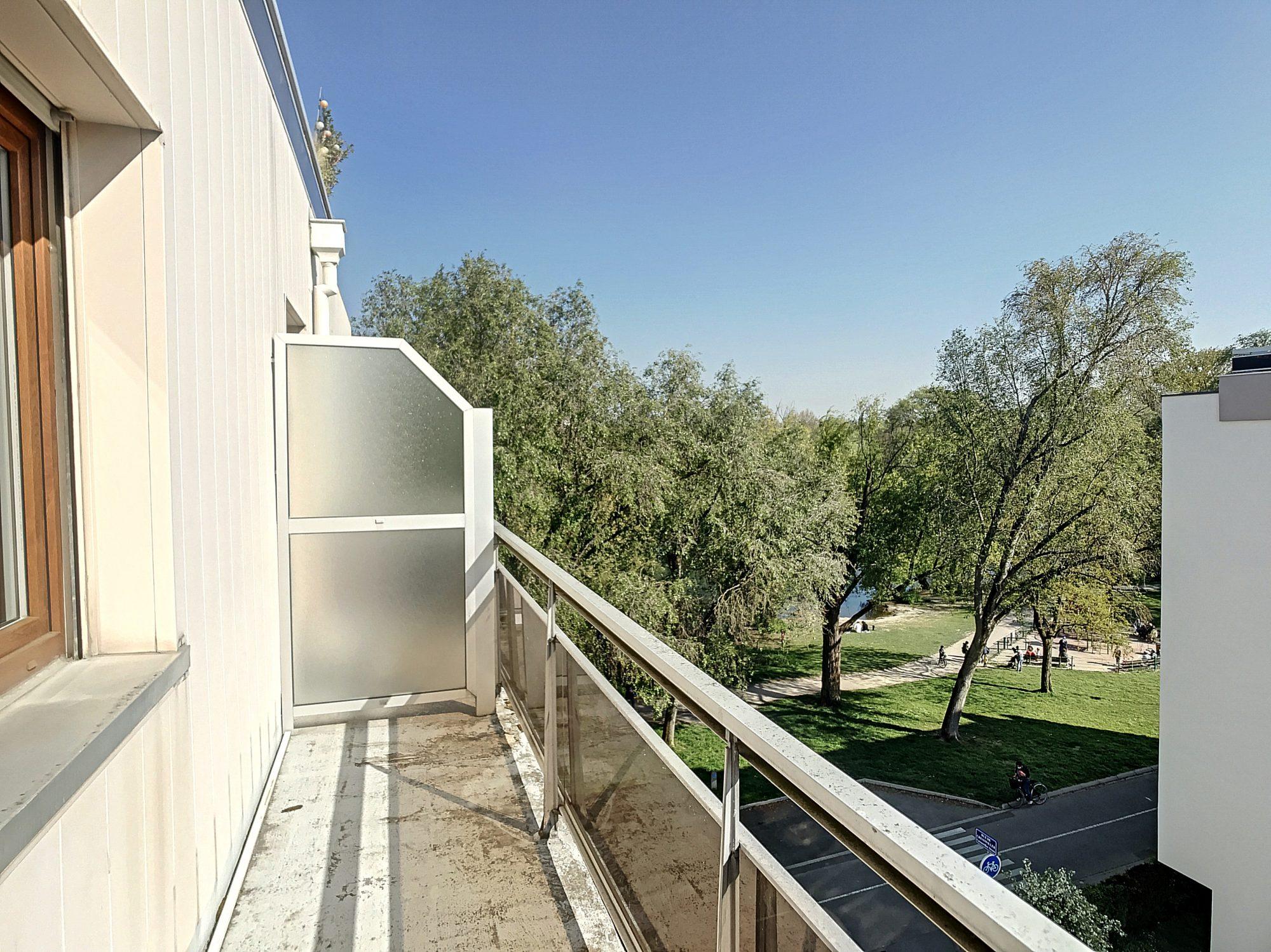 MONTAGNE-VERTE - 1 pces de 32.23m² avec balcon