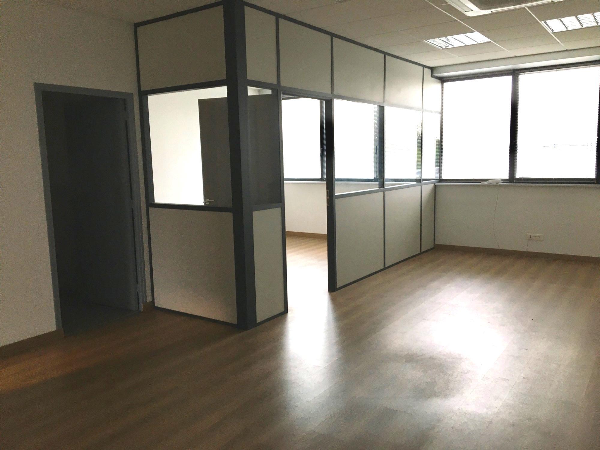 Bureaux cloisonnés 50m² à Bischheim/Hoenheim