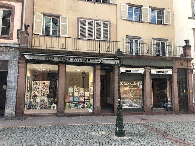 local commercial à louer en precaire Place de la Cathedrale