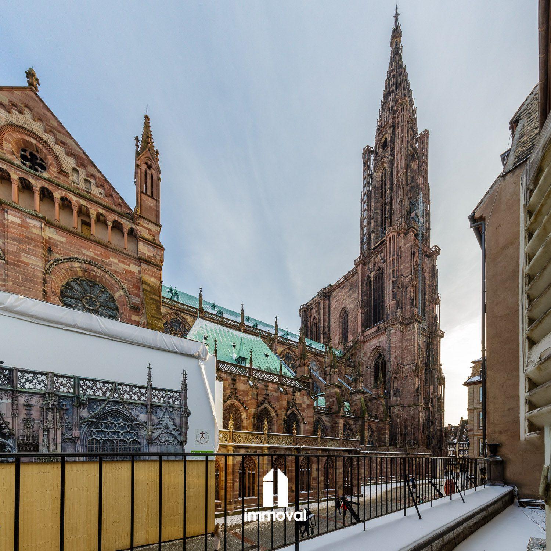 5 lots en vente en copropriété - Place de la Cathédrale