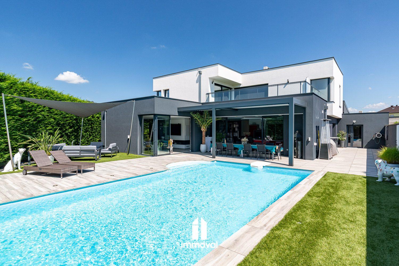 HERRLISHEIM Maison d'architecte 8p de 365m² avec garage 120m²