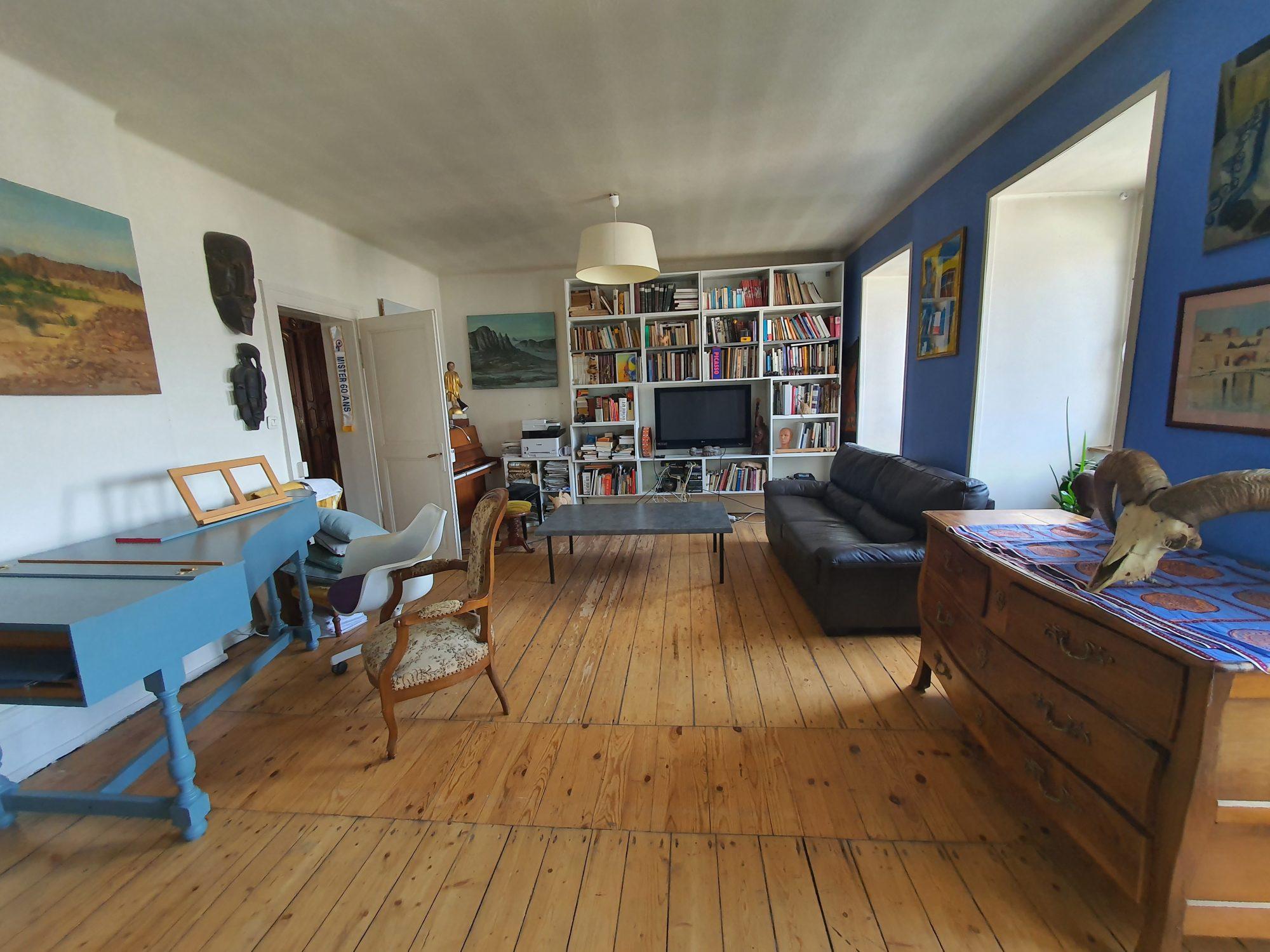 Contades, appartement 5 pièces avec mansarde aménagée et cave