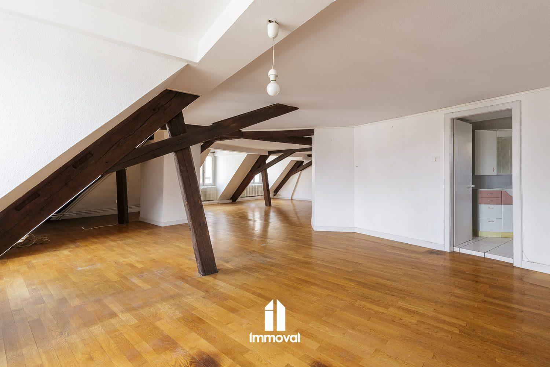 HYPER CENTRE, Appartement T5 et 3 chambres de bonne 168,55 m2