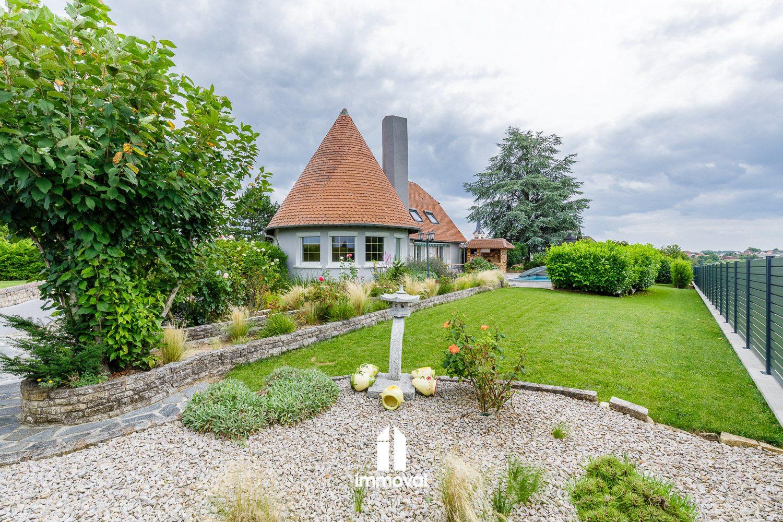Belle maison d'architecte sur 15 ares avec piscine