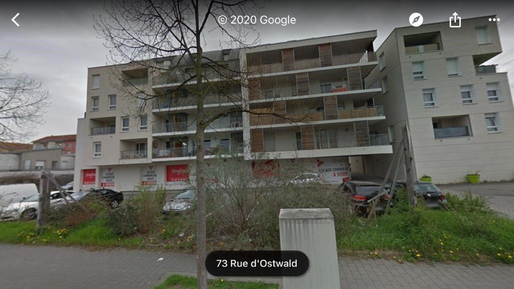 local commercial de 545 m² avec parkings